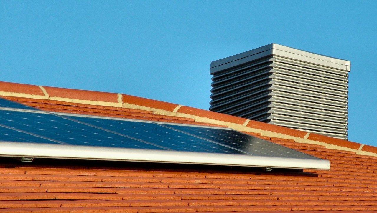 España, contra la energía solar